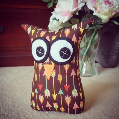 Colourful Arrow Design | 18cm Owl